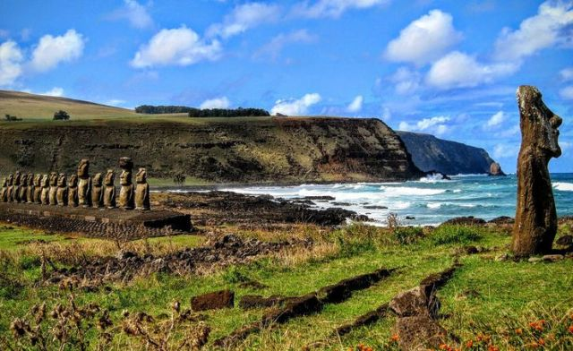easter island head credit WorldCoup Flickr